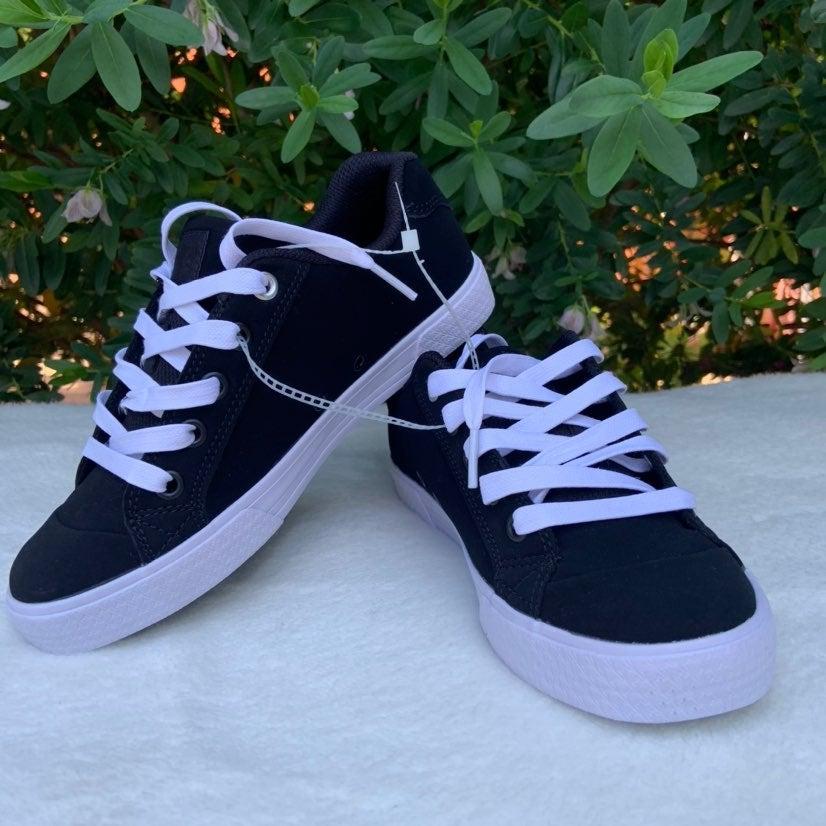 Women DC Sneakers Shoes Sz 6