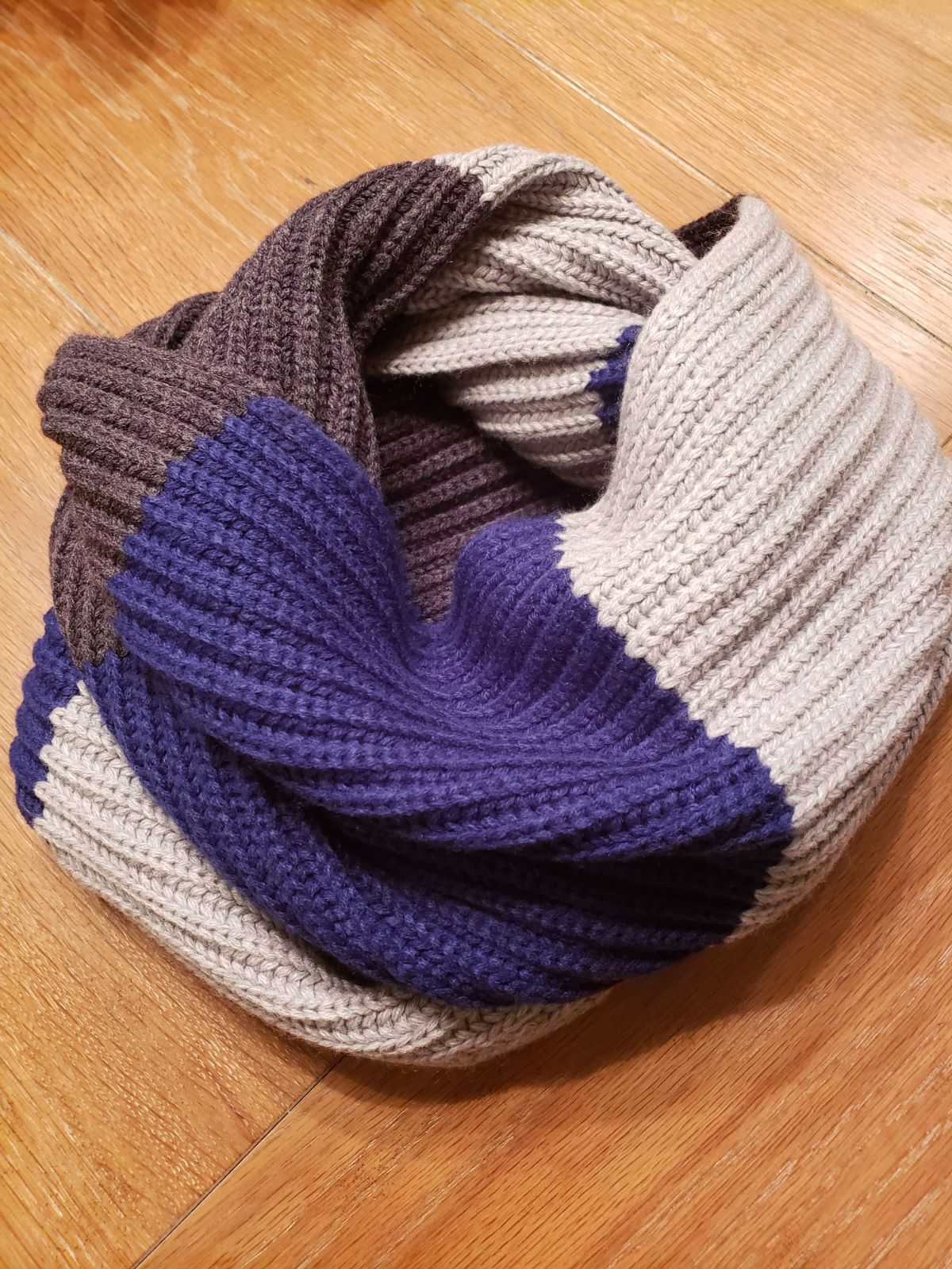 MICHAEL KORS  Knit Infinity Scarf