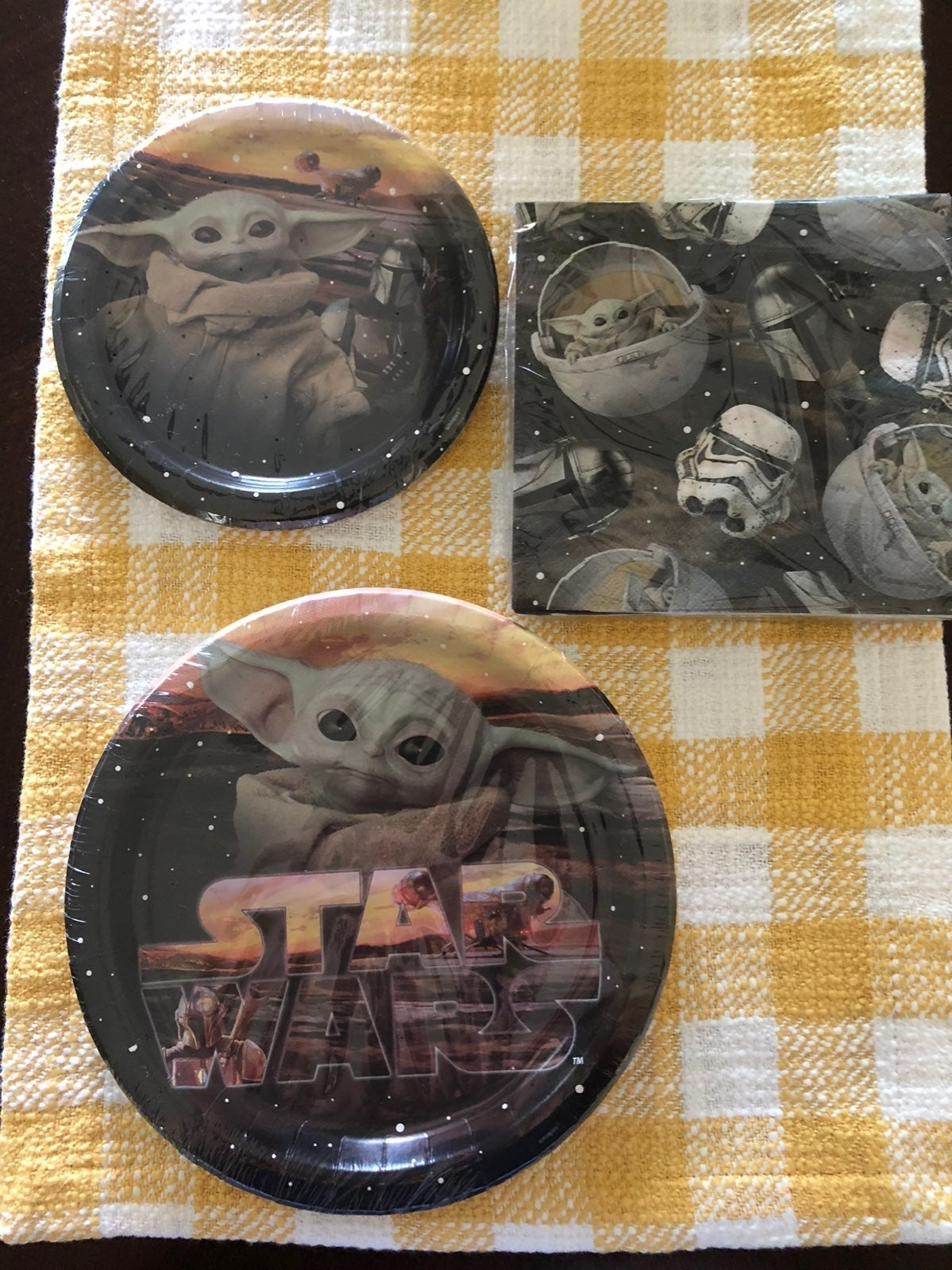 Star Wars Baby Yoda Party Plates