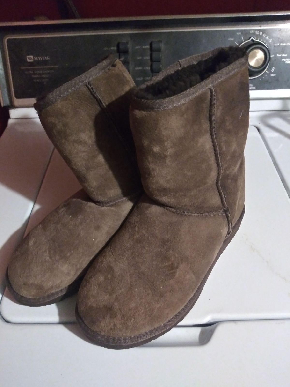 Woman's chocolate Ugg boots size 7