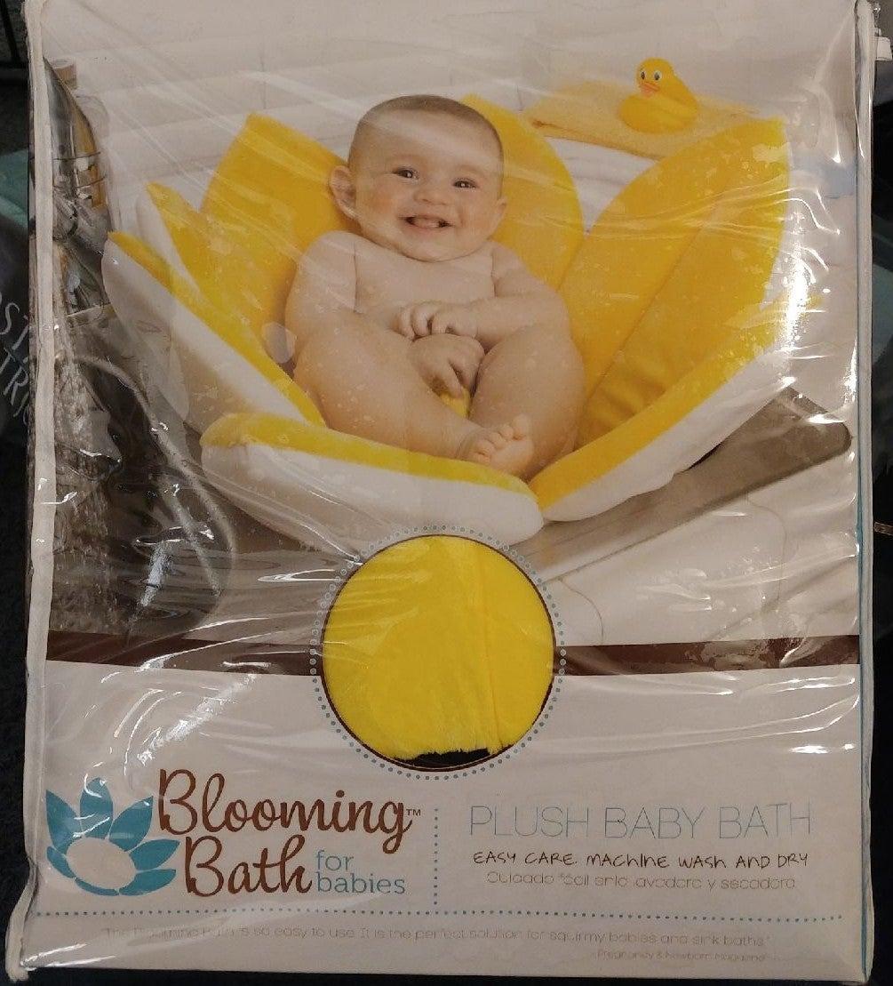 NEW Blooming Bath Set - Plush baby bath