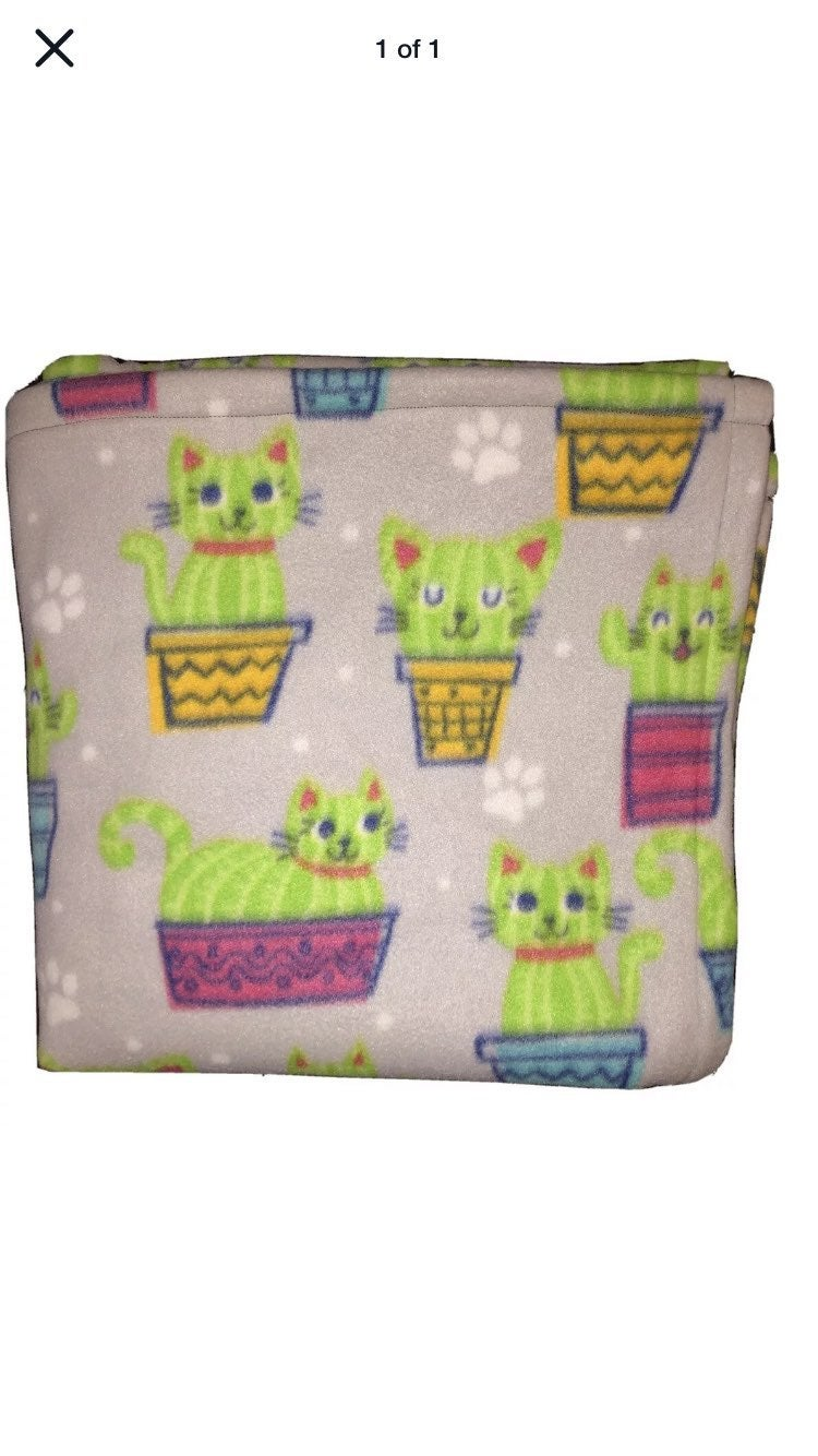 "Cute Cat Cactus ""Cattus"" Fleece Blanket"
