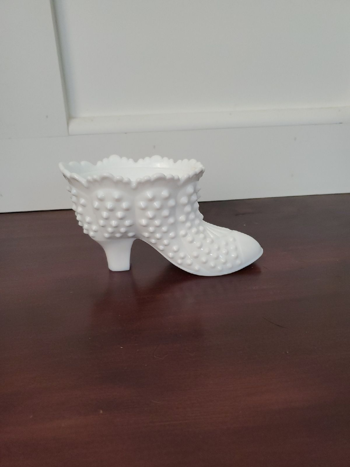 milk glass slipper collectable