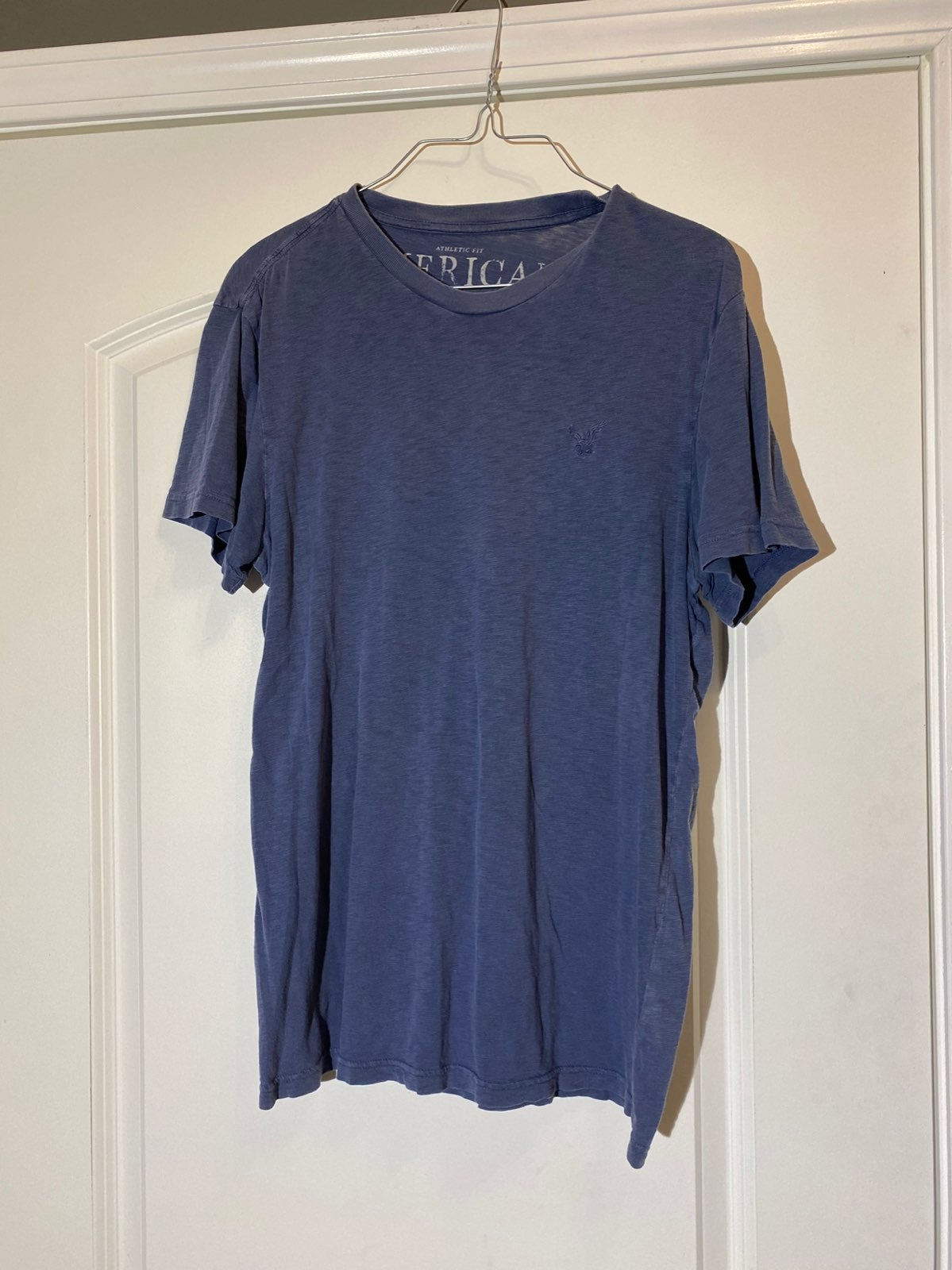 Mens American Eagle navy blue shirt