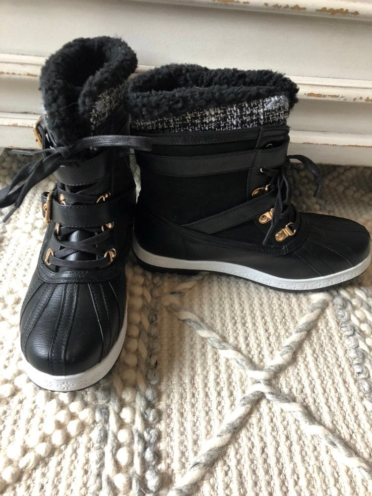 Justfab stappy boots NWOT size 8