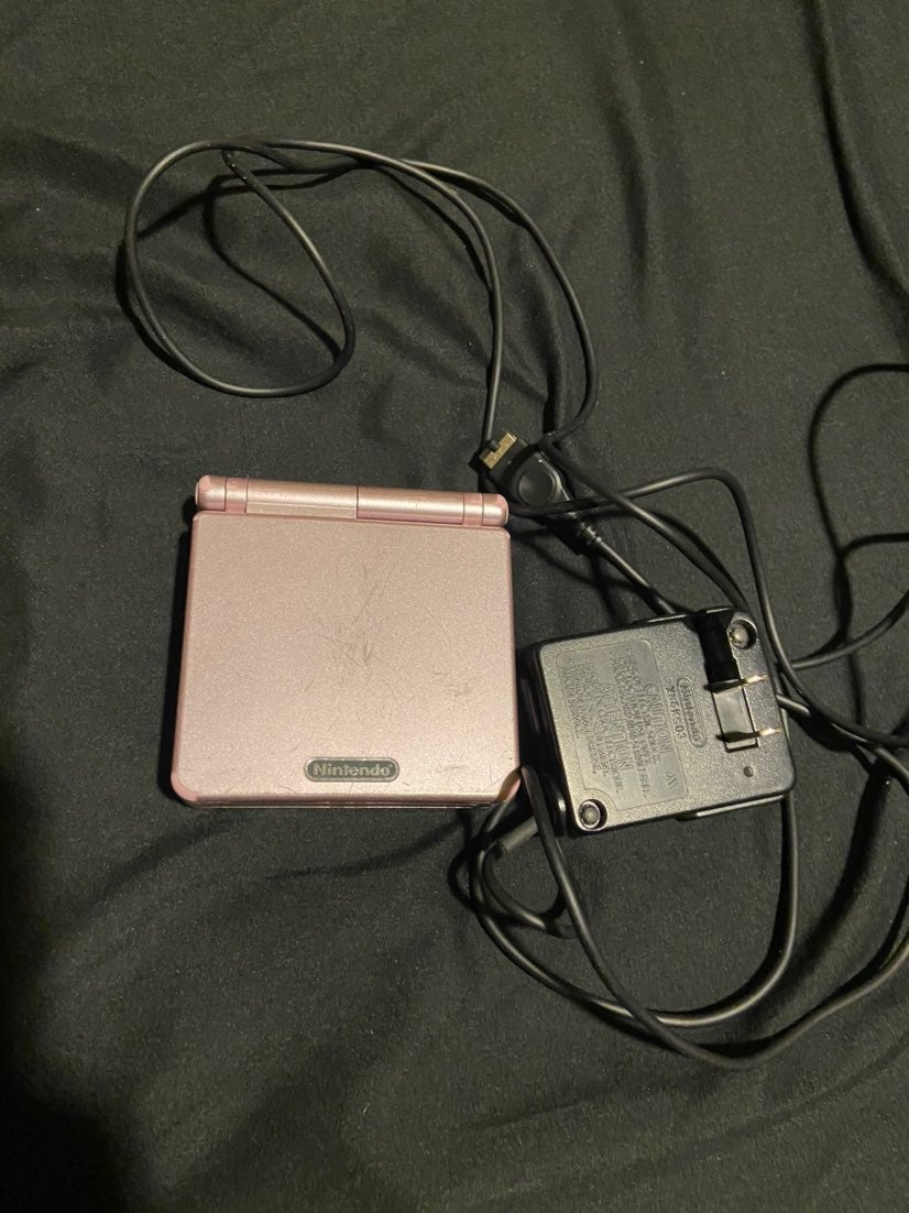 Pearl pink Gameboy Advance SP