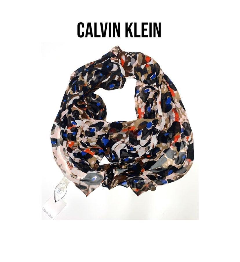 NWT CALVIN KLEIN scarf