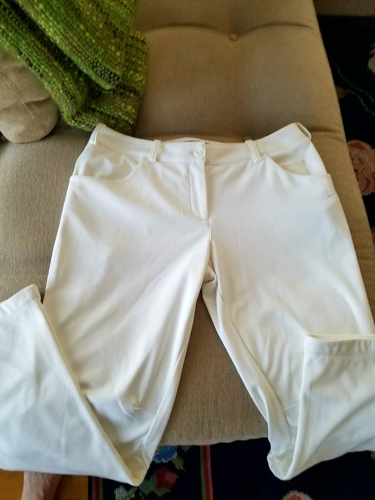 Women's Medium Nike golf pants, sleevele