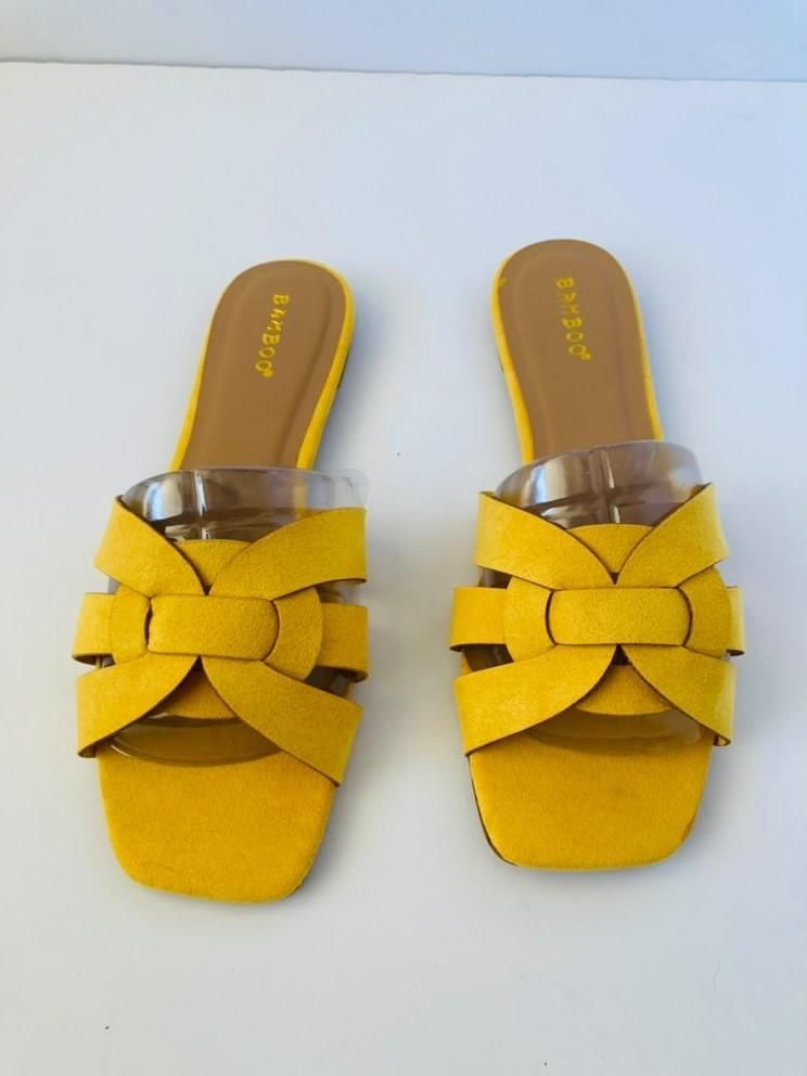 Bamboo sweets flat sandals size 8