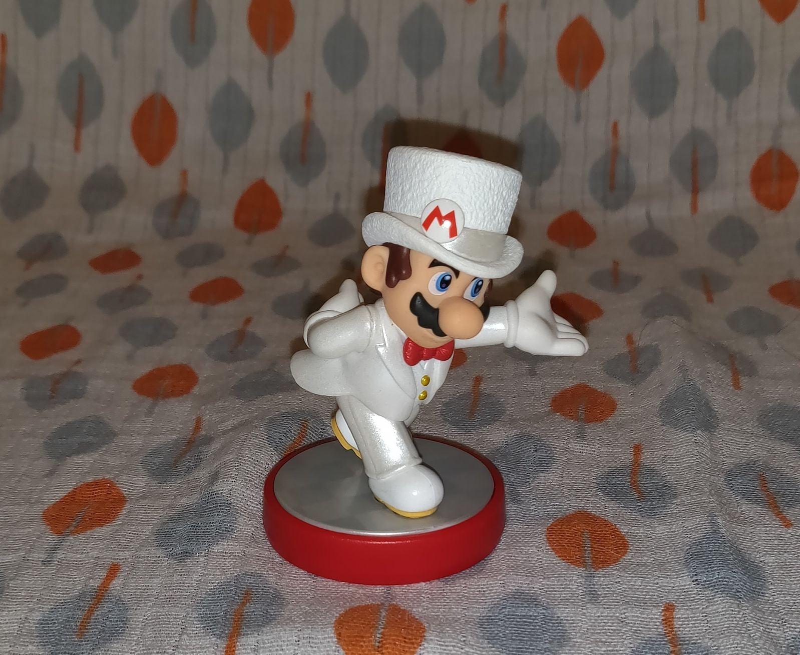 Super Mario Wedding Mario Amiibo