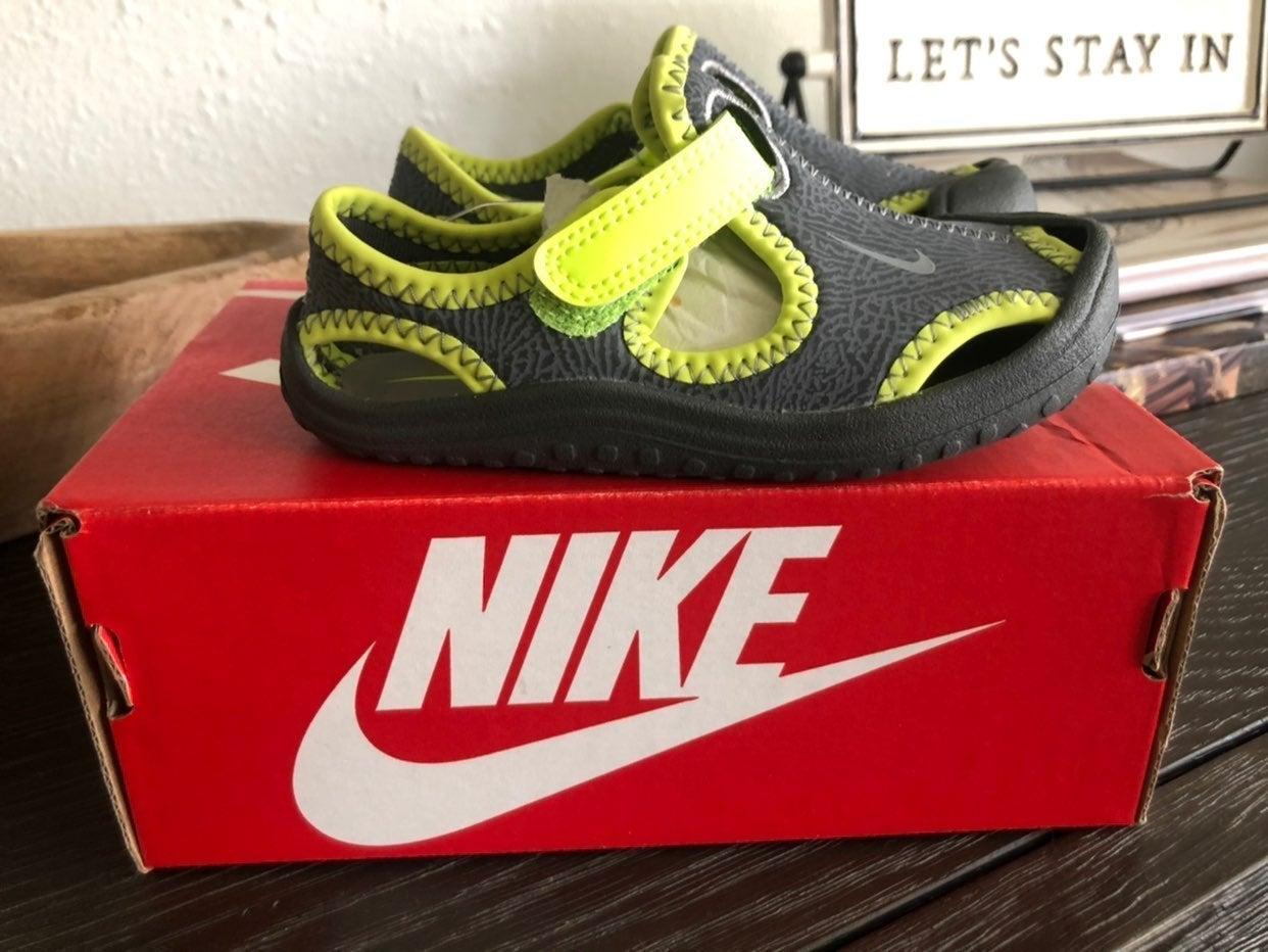 Nike Sunray sandals 8c