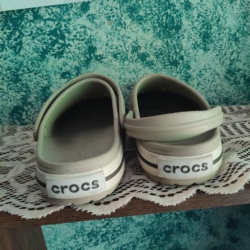 Crocs size 9 beige ladies