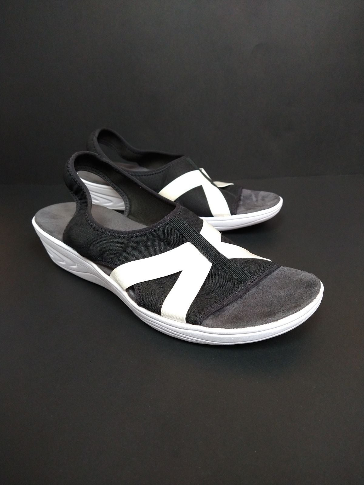 Easy Spirit Black and White Sandals