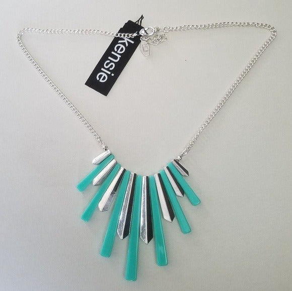 NWT Kensie Silver & Teal / Mint Necklace
