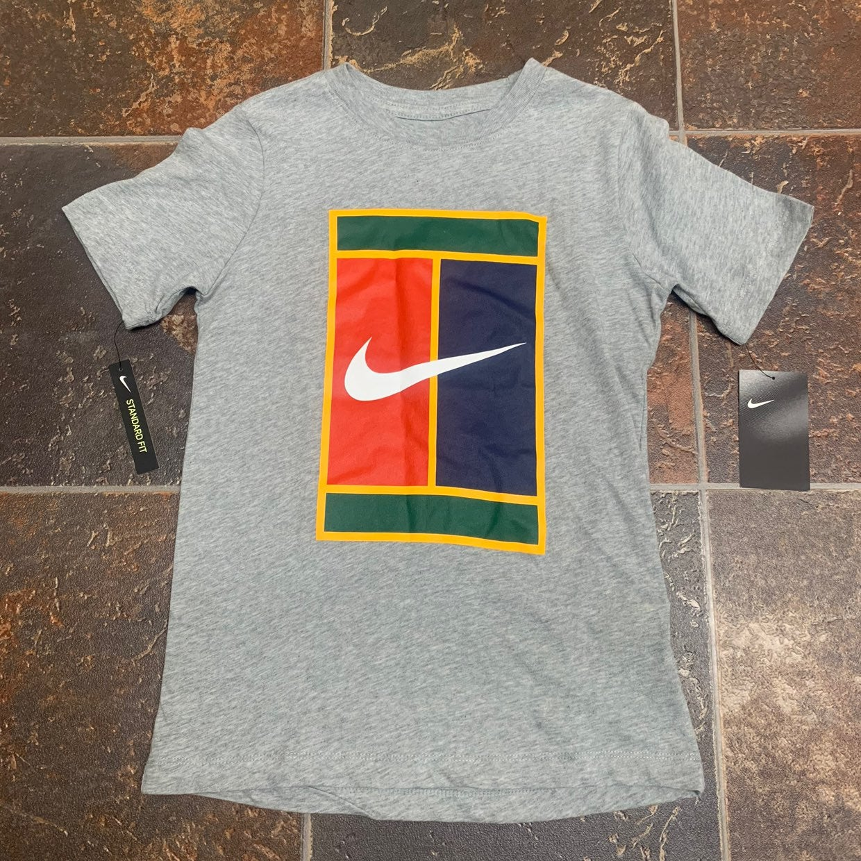 BRAND NEW! Nike Short Sleeve Shirt Boys