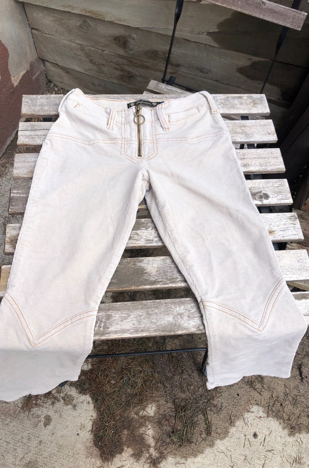 white corduroy bell bottoms size 00