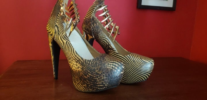 Snakeskin Spike Metal Stiletto Pumps