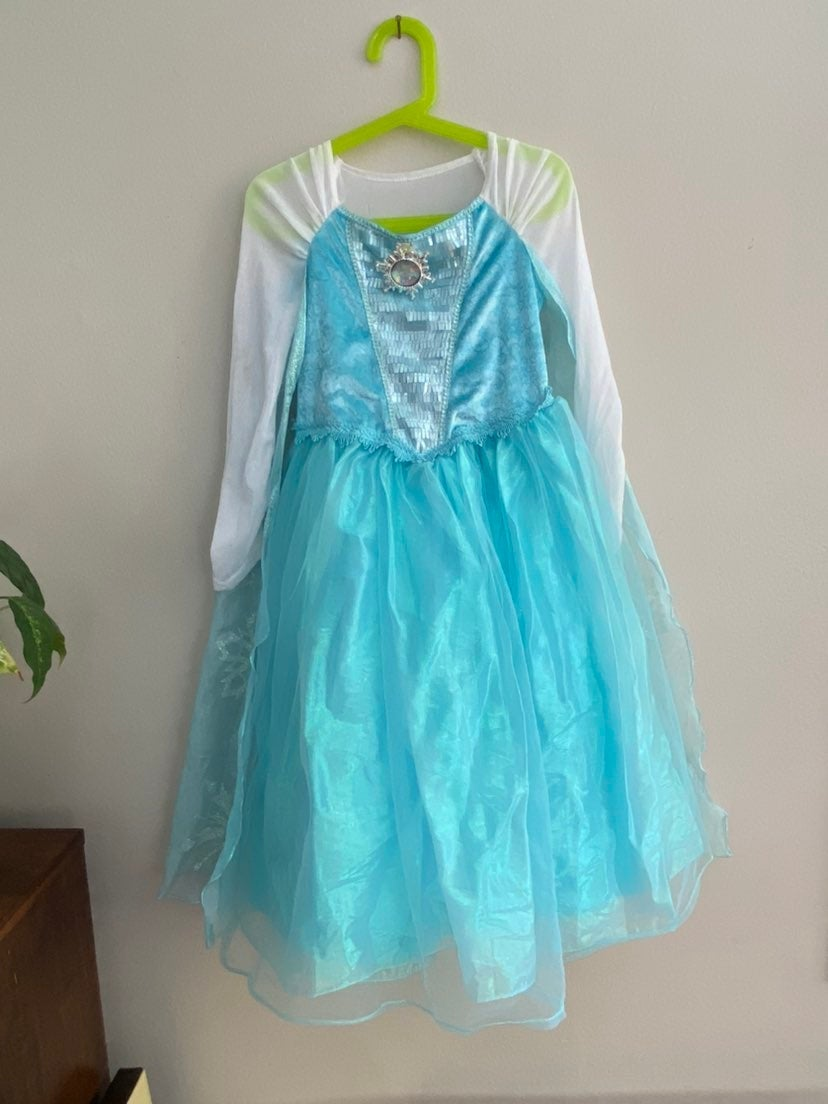 Girls suze 5/6 Elsa dress-up