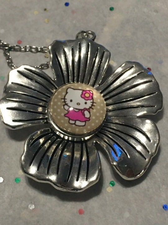 Ginger Snap Daisy Necklace Hello Kitty