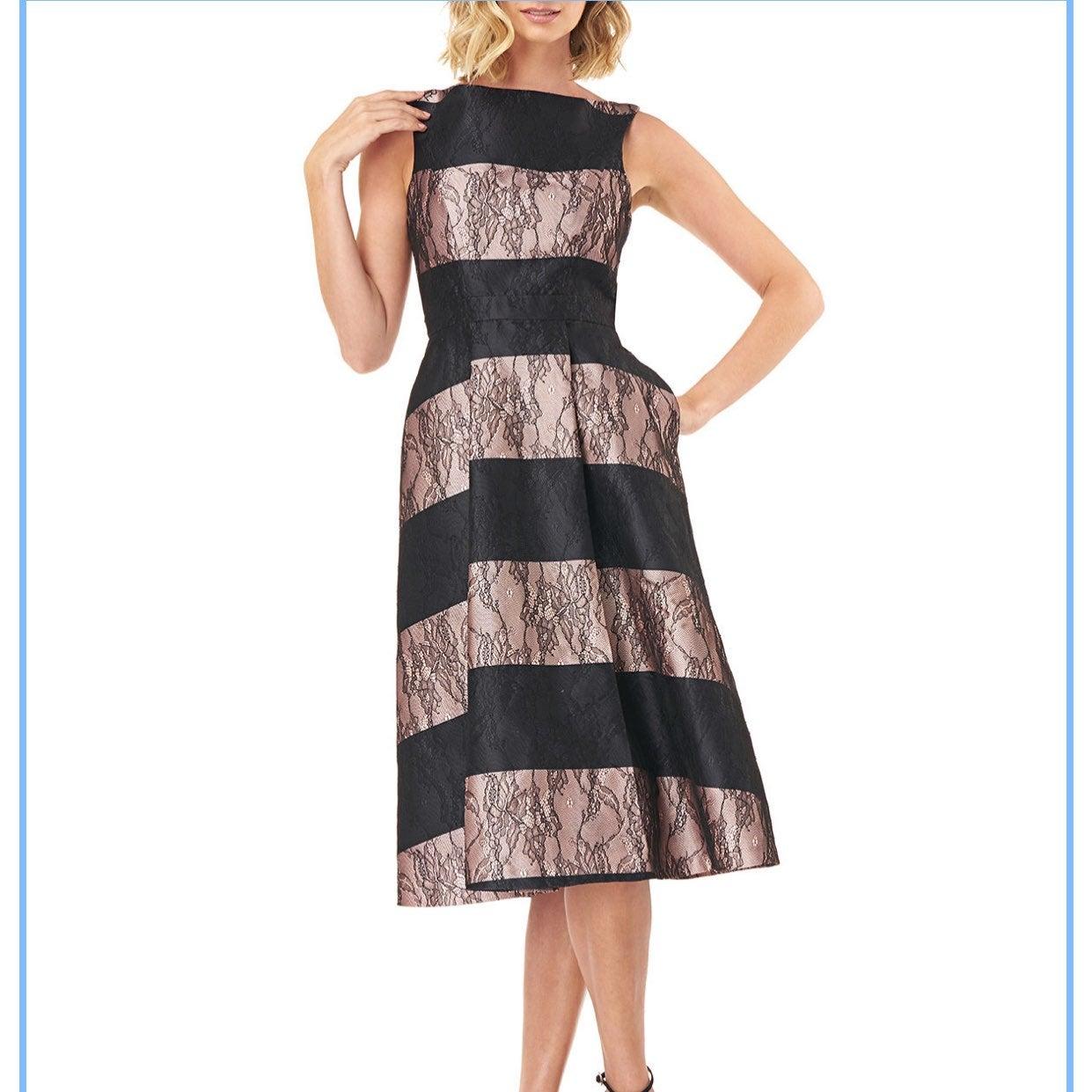 NWT Kay Unger Sarah Lace Dress Size 2
