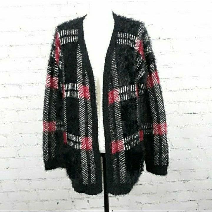 BLACK TAPE NWOT Plaid Fuzzy Cardigan XL
