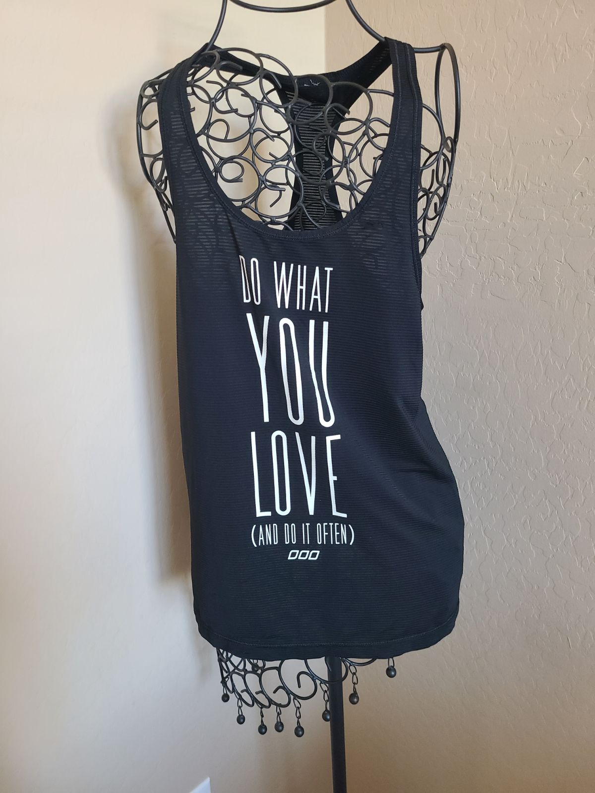 """Lorna Jane """"do what you love"""" workout sm"""