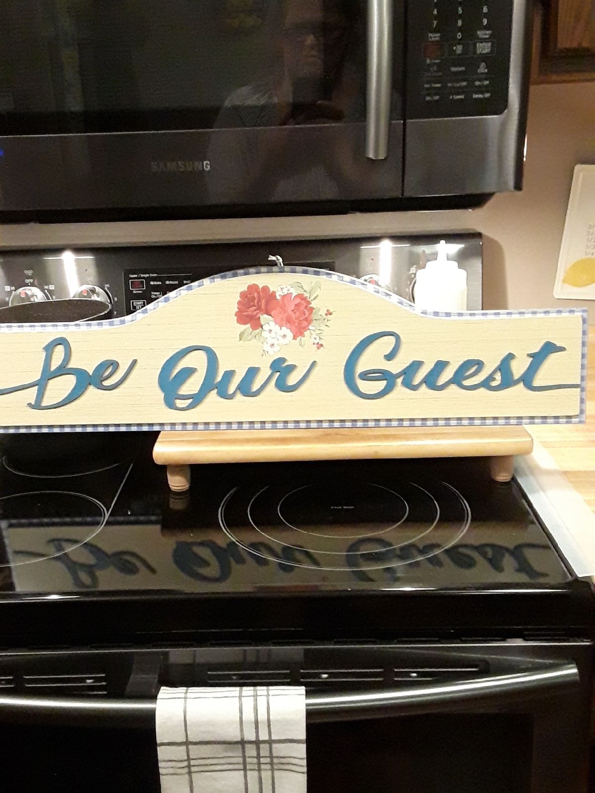 Pioneer Woman Be Our Guest sign