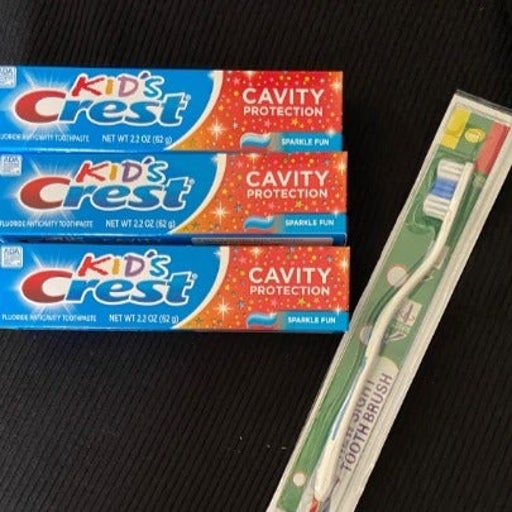 KID'S CREST (3 )plus ONE FREE TOOTHBRUSH