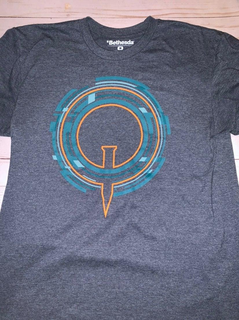 Men's Quake Con T- Shirt Medium
