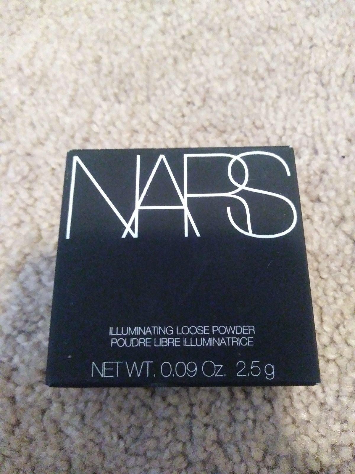 NARS illuminating loose powder