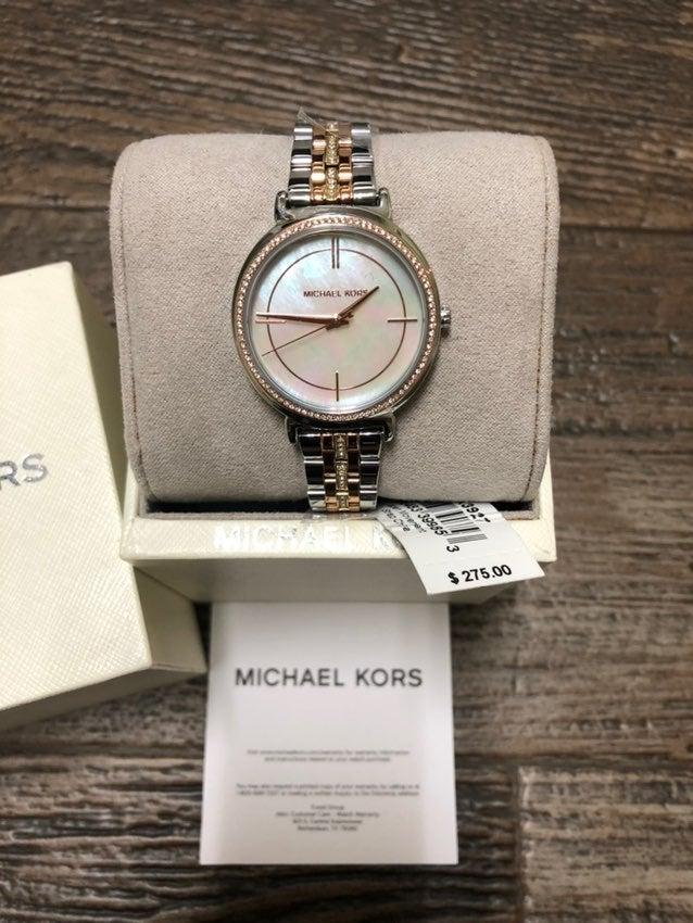 Ladies Michael Kors NWT watch