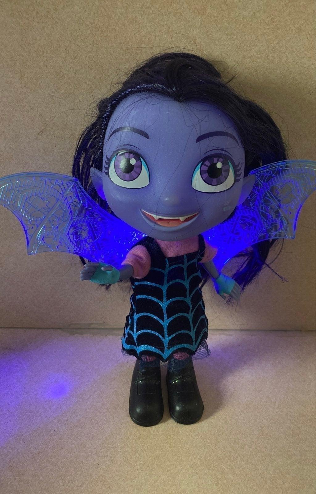 vampirina Doll talking and lighst up