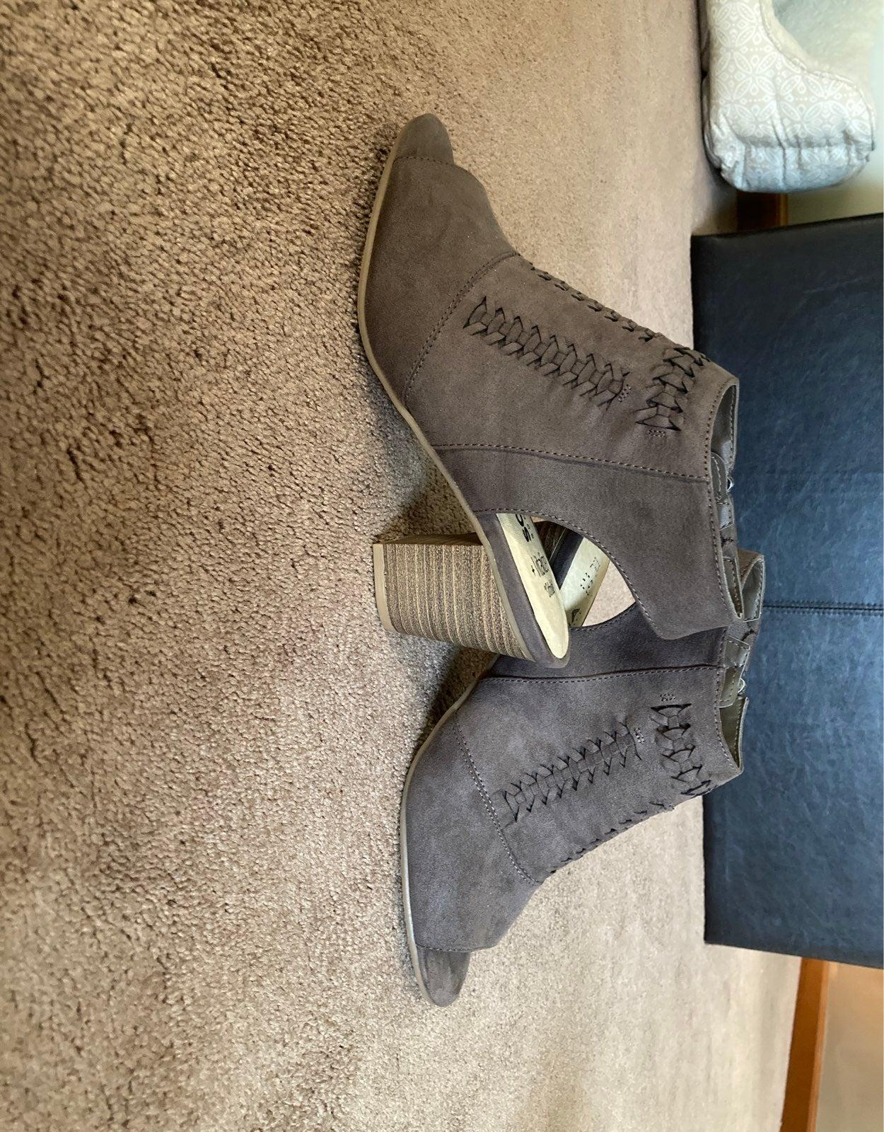 Sonoma Open Toe Sandal Ankle Boot Sz 8.5