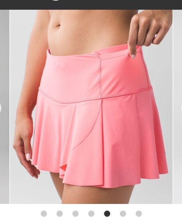 Lululemon 8 Hit Your Stride skirt Pink
