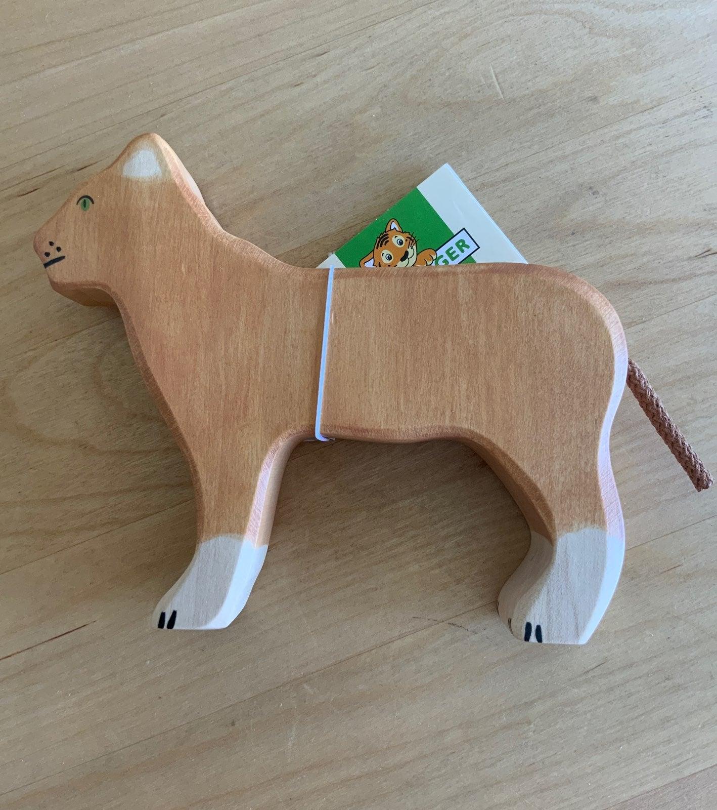 Holztiger - Lioness