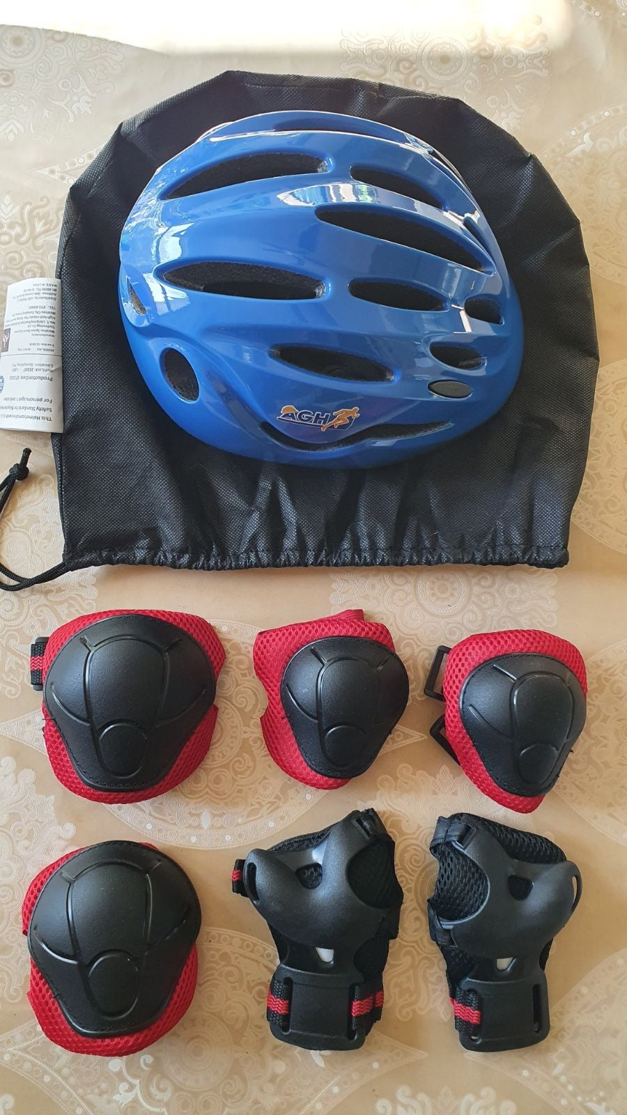 Protective Knee Pads and Helmet for Kids