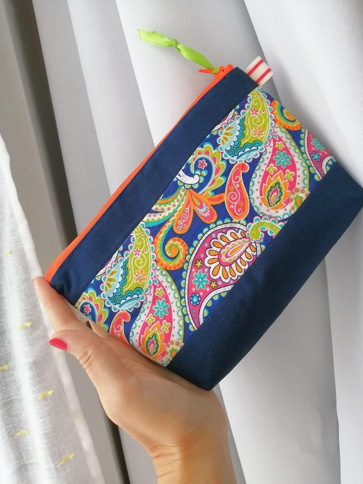 """""""stunning paisley""""zipper pouch"""