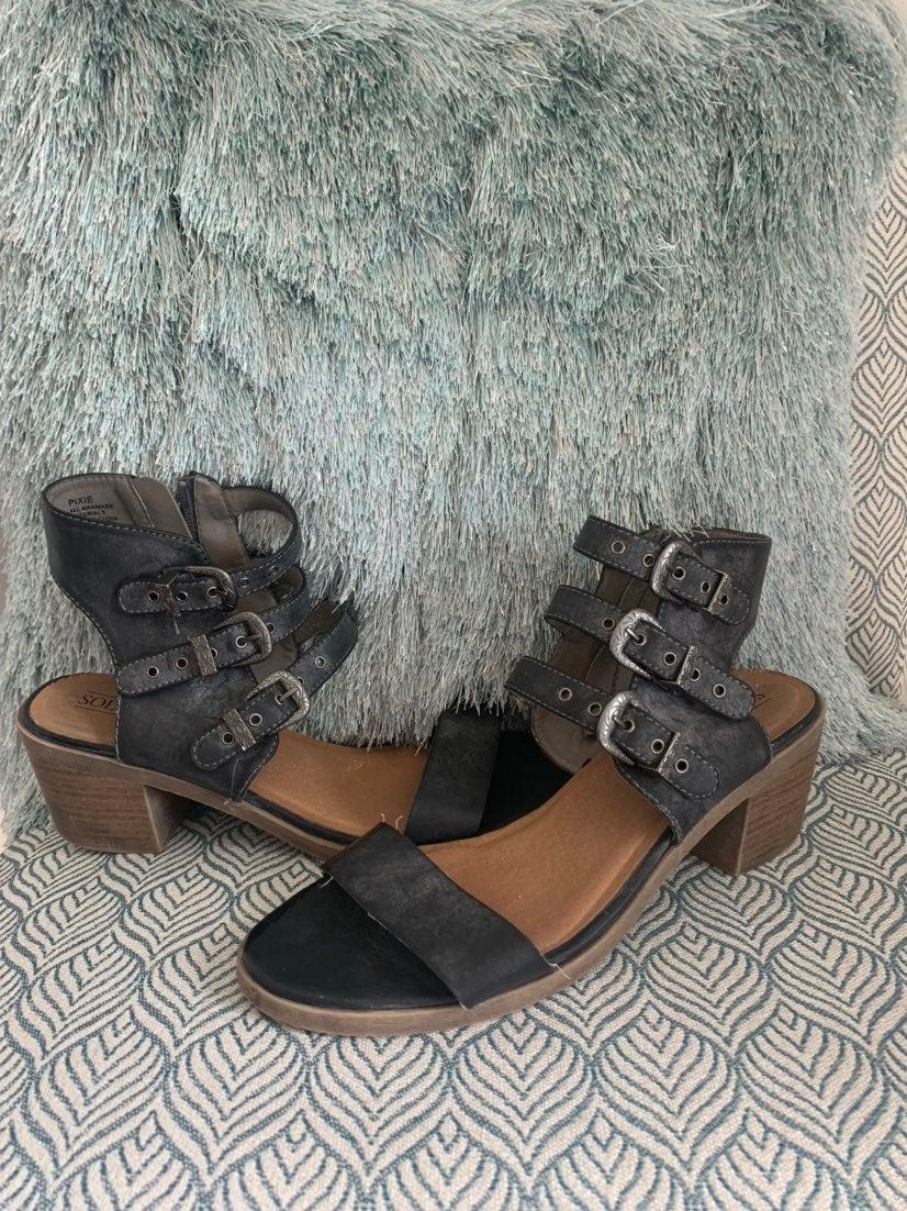 BKE sole heels