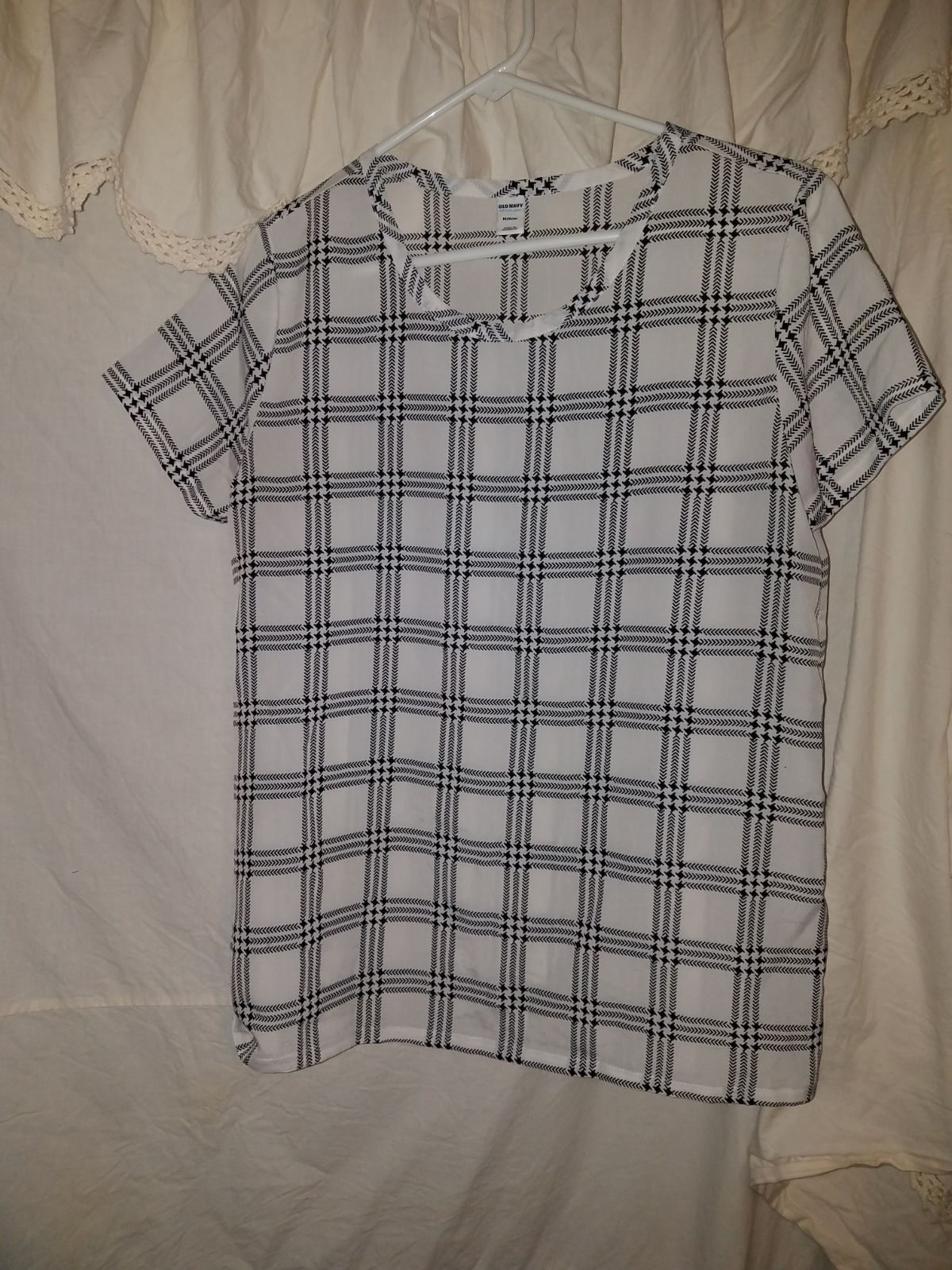 Old Navy Blouse size Medium