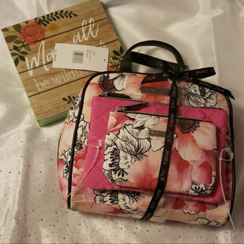 NWT Betsey Johnson cosmetic makeup bag