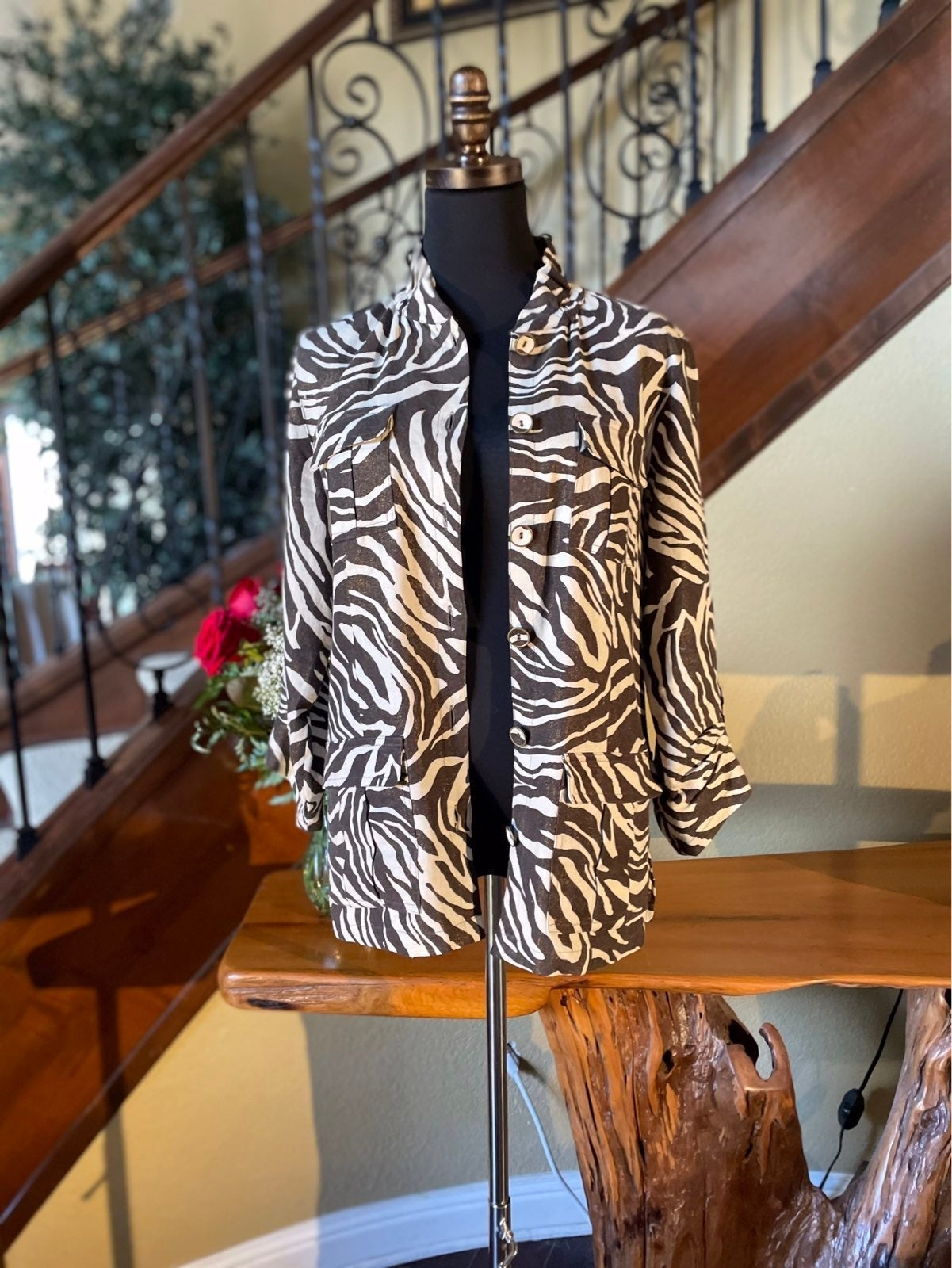 Sharp Chico's Safari Print Shimmer Jacke