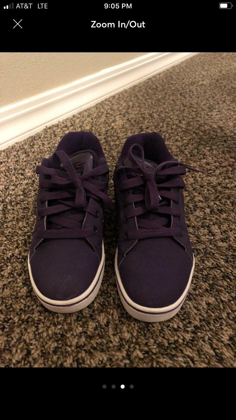 Like new! Heelys kids size 1