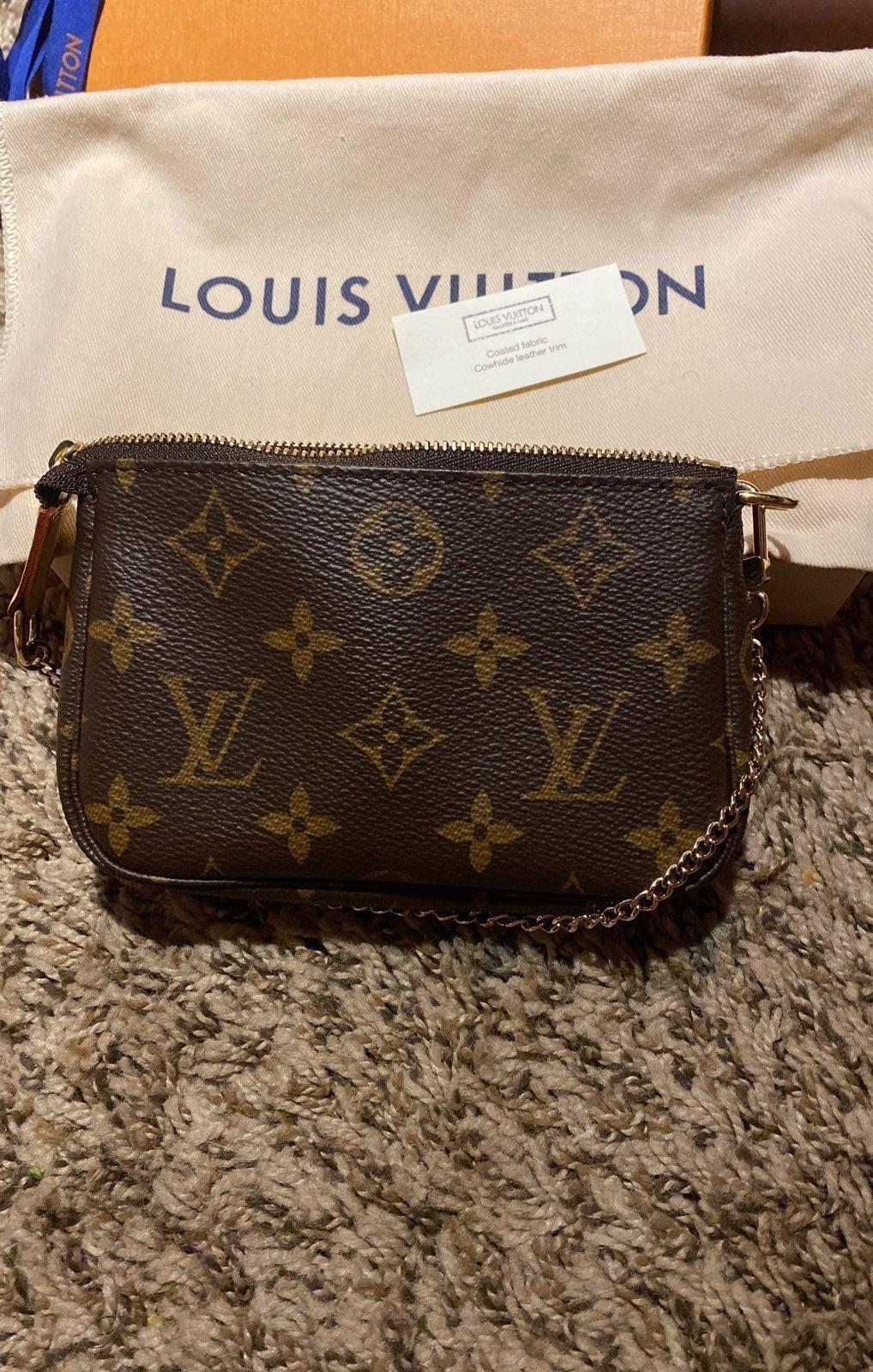 Louis Vuitton Mini Pochette Mono