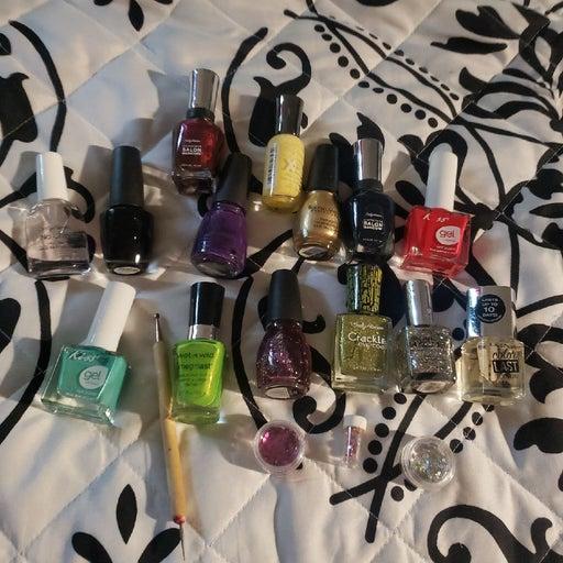 14 bottles fingernail polish desing tool