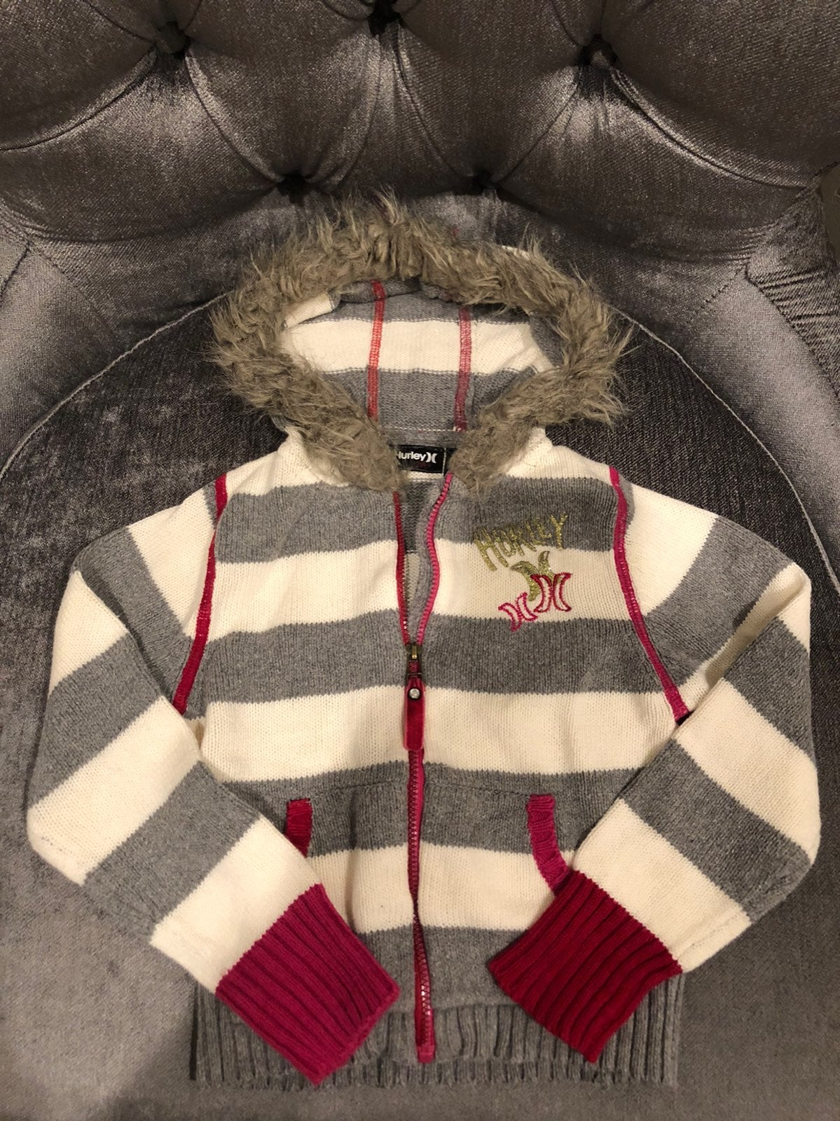 Hurley zipped hooded sweater 4t