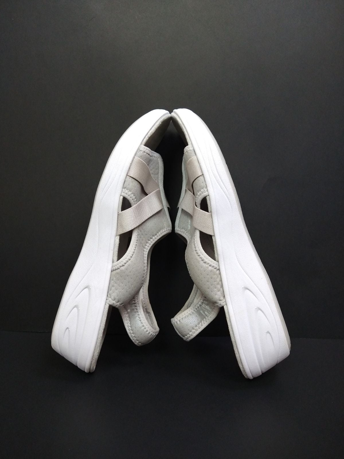 Easy Spirit Silver and White Sandals 12