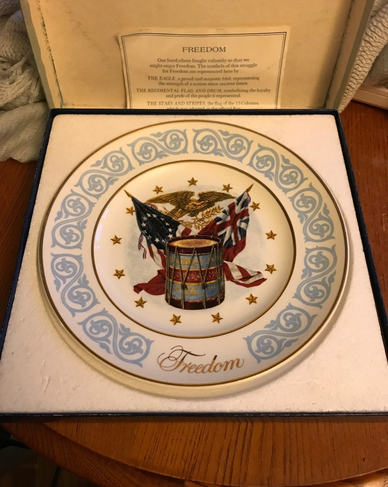 Vintage 1974 Avon Freedom Plate