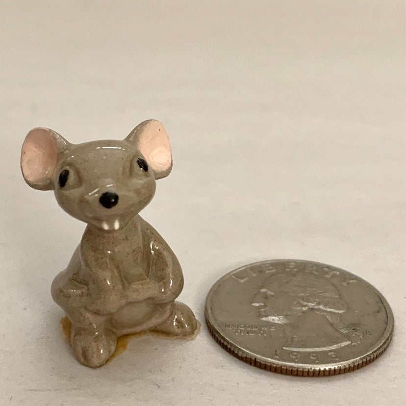VIntage Hagen-Renaker Mama Mouse