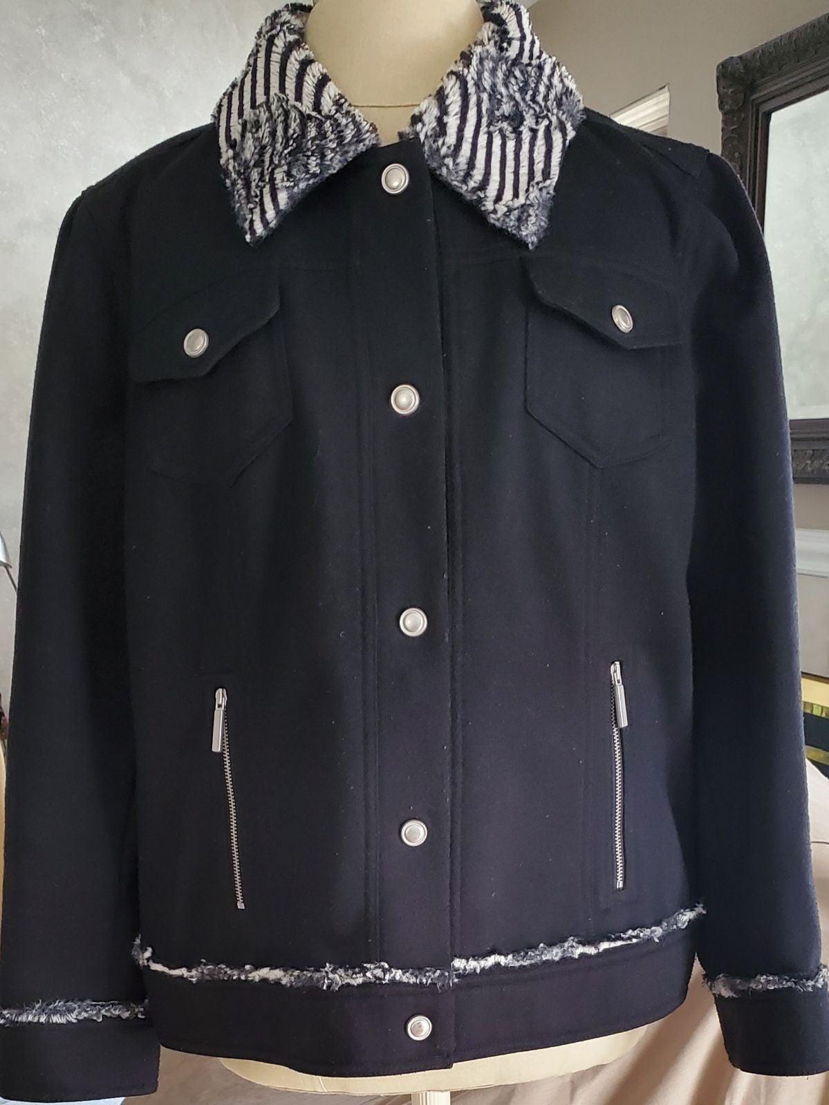 Jacket Chico's‼️faux fur Size 3=XL/16