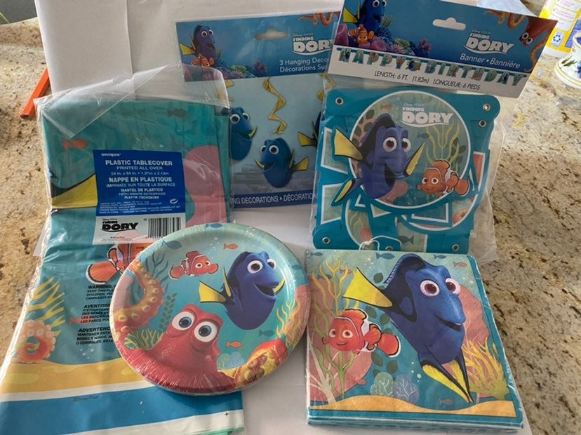 NWT Disney Finding Dory Party Lot